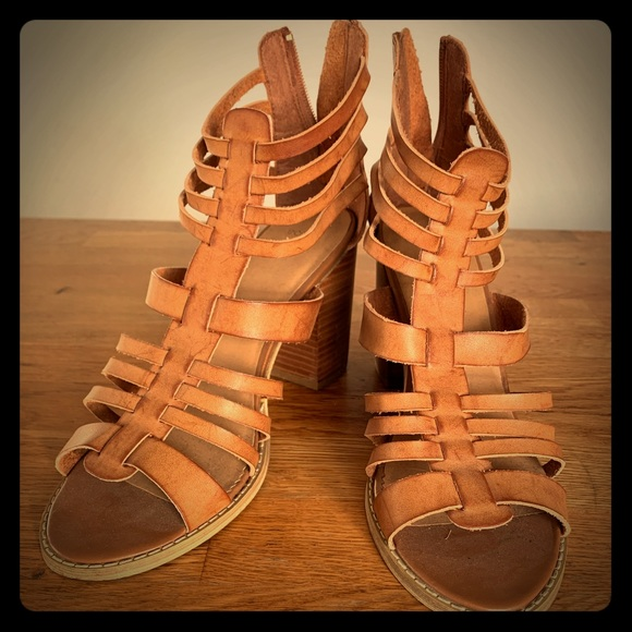 👡 Ecote almost new sandals
